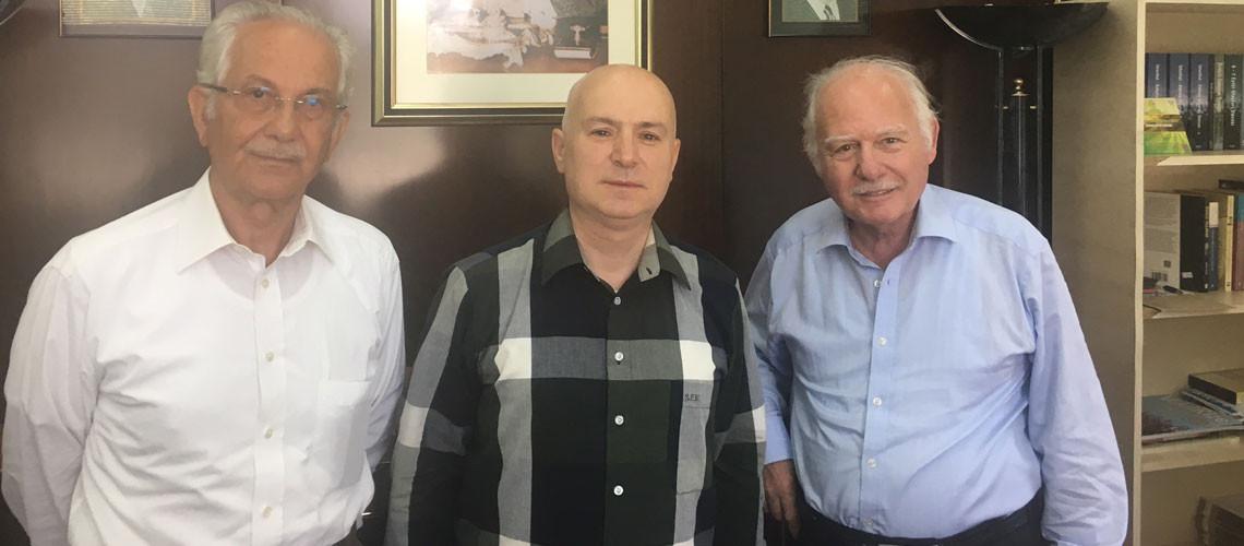 Saygıdeğer büyüklerimiz,sayın  Rasim Cinisli ağabeyimiz,Osmanlı  hanedan'ın velihatı  sayın  Osman Osmanoğlu beyefendi ve  ADFED Genel Başkanı sayın S.Fatih Kavaloğlu